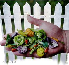 Мастер-класс Поделка изделие Праздник осени Лепка Урожай на ладони помощники - лотки для яиц Фарфор холодный фото 1