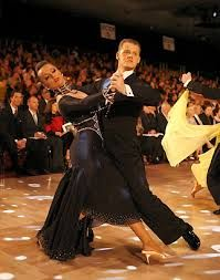 I also really liked the showdance of Igor Litvinov and Yulia Ivleva. This is a photo from their group dance number (all photos by Jeffrey Dunn), ...