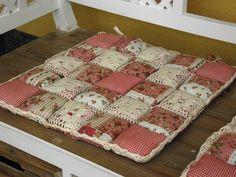 Sedák na židli - růžový patchwork 40x40cm