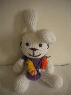 Conejo de Pascua, canastita para el huevo