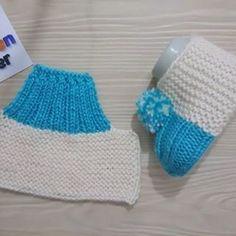 Neuf blanc perles bébé Chaussons 0-3 mois Baptême tricoté à la main par Annie