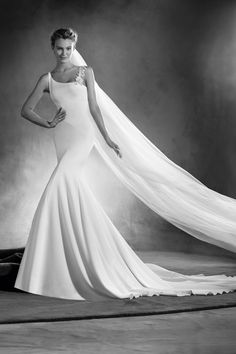 e0721fe3124 Egeria by Pronovias. Uma Thurman. Met Gala 2016 bridal inspiration Atelier  Pronovias