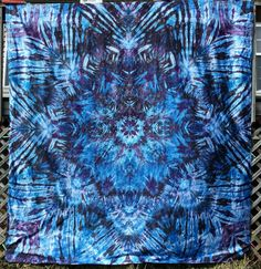 Giant trippy mandala tie dye tapestry or wall hanging by LimSpace  #tapestry #wallhanging #tiedye #hippie #boho #bohochic #handmade #etsy #trippy #psychedelic