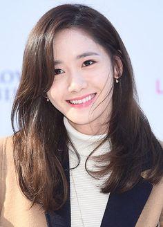 Yoona trẻ trông thật thanh lịch và ngọt ngào với mái tóc lửng ngang vai