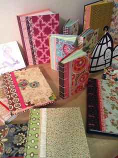 Colección Recuerda Sevilla Journal Art, Note To Self, Have Fun, Gift Wrapping, Notes, Gifts, Tela, Signature Book, Different Types Of
