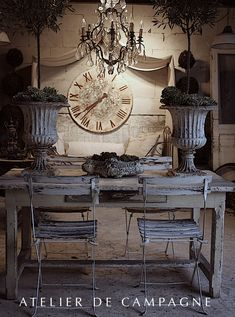 Realistic DIY Shabby Chic Home Decor - Unique Chandeliers French Interior, French Decor, French Country Decorating, Shabby Chic Homes, Shabby Chic Decor, Rustic Decor, Wood Floor Pattern, Deco Addict, French Country House