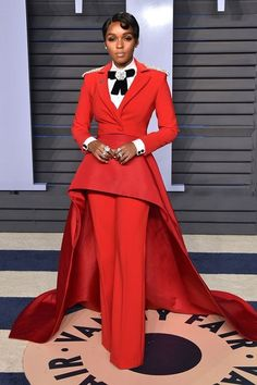 Celebrity Red Carpet, Celebrity Style, Celebrity Closets, Effortlessly Chic Outfits, Christian Siriano, Red Carpet Looks, Celebs, Celebrities, The Dress