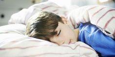 Όταν αξιολογώ έναν νέο, μικρό ασθενή για το άγχος που βιώνει, αρχίζω πάντα ρωτώντας τον γονέα του παιδιού για τις συνήθειες ύπνου του. Χωρίς δεύτερη σκέψη..