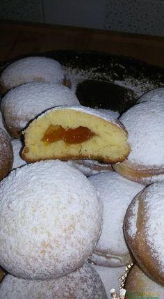Bomboloni al forno Bimby3.8 (76.67%) 6 votes Bomboloni al forno Bimby, dolci simili ai krapfen tedeschi ma più leggeri perchè non fritti. Foto e ricetta di Vanessa D. F. Stampa Bomboloni al forno Bimby Ingredienti 200 gr di latte 25 …