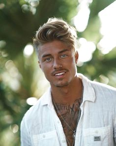 Johnny Edlind nice hairstyle - Looks very relaxed but really good at the same time Tan Blonde, Blonde Guys, Blonde Hair, Hair Men Style, Hair And Beard Styles, Short Hair Styles, Johnny Edlind, Beautiful Men Faces, Gorgeous Men