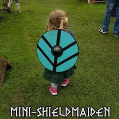 your sisters need this Vikings Show, Vikings Tv, Norse Pagan, Norse Mythology, Larp, Viking People, Viking Series, Viking Culture, Shield Maiden