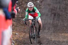 Eva Lechner on her way to victory in Hoogerheide World Cup, Mud, Victorious, Gears, Wheels, Bicycle, Racing, Women, Running