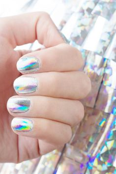 DIY Holographic Manicure