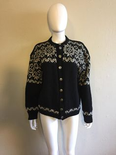WOOL Cardigan button up black white   metal buttons