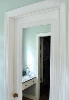 39 Ideas for diy bathroom mirror frame ideas closet doors Diy Closet Doors, Mirror Closet Doors, Closet Redo, Closet Door Makeover, Mirror Makeover, Dorm Closet, Bathroom Mirrors Diy, Bathroom Closet, Bathroom Doors