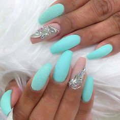 Mint being nails