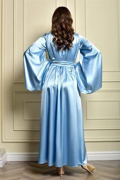 Lace Bridal Robe, Bridal Robes, Wedding Lingerie, Bridal Gown, Bridal Boudoir Photos, Satin Nightie, Wedding Kimono, Lace Kimono, Blue Gown