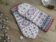 Mittens Pattern, Knit Mittens, Knitted Gloves, Knitting Charts, Knitting Patterns Free, Knitting Accessories, Hand Warmers, Knitting Projects, Knit Crochet