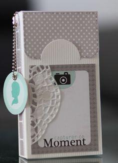 [Scrap & F(ami)ly !!!: Tout petit mini dans son étui ...Capturer ce moment...]   nice vertical photo book
