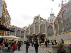 Mercado Central de Valencia. El mercado de productos frescos más grande de Europa y el primero del Mundo en el que puedes comprar por internet. Un atractivo turístico de Valencia