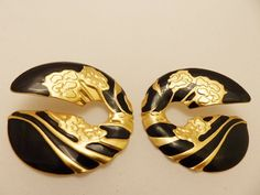 Stunning Large Gold Tone and Black Vintage by TheEarringPlace