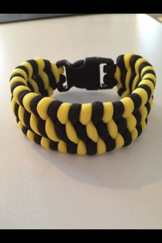 Paracord bracelet made by me, Helan.