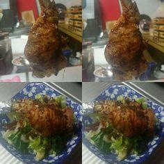 몇일전 만들던 #테바사끼교자 의 업그레이드 요리 입니다^^ #닭날개만두 가 주먹만하게 커졌어요^^ 이번주는 서비스로 평가받겠습니다ㅎ 맛나게드셔보세요! #평촌역 #이자카야 두툼한 만두안에 재미있는 식감이 느껴집니다! 이번주도 화이팅!! #사케소물리에 의 #추천사케 도 함께합니다!