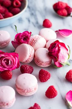 Macarons have to be the trendiest dessert item right now. Half Baked Harvest takes the macaron game up another level with her Coconut Raspberry Rose Butter Cream version. Yummy Recipes, Cookie Recipes, Dessert Recipes, Yummy Food, Dessert Ideas, Healthy Recipes, French Macaroons, Raspberry Macaroons, Pink Macaroons