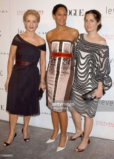 Carolina Herrera, Tracee Ellis Ross and Carolina Jr Chic Outfits, Pretty Outfits, Pretty Dresses, Yes To The Dress, Dress Up, Couture Dresses, Fashion Dresses, Fashion Over 50, Classy Women