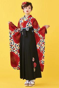 レトロ柄袴 赤色 商品画像1 Japanese Uniform, Japanese Outfits, Japanese Kimono, Traditional Fashion, Traditional Dresses, Japanese Street Fashion, Asian Fashion, Kimono Fashion, Fashion Outfits