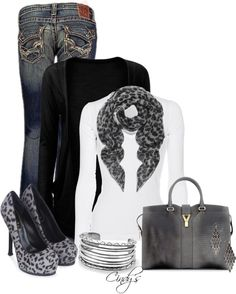Adore..except for those shoes. This requires comfy but cute fall boots, methinks.