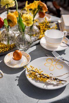 Da macht der Osterhase Augen! Mit dem handgefertigten Design Pur Geflammt von Gmundner Keramik ist der Tisch zum Osterfest garantiert ein Hingucker! Reuse, Recycling, Table Decorations, Spring, Diy, Design, Flowers, Easter Bunny, Eyes