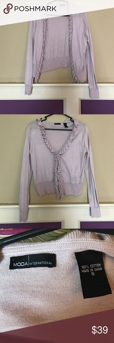 NWOT!! Ruched sweater! Size small! This sweater has ruching around the collar and down the middle of the sweater. You can wear it open or closed which has two clips for you to close the sweater. It is an unique color as it seems to be a mix between a light purple and a light pinkish color. Make me an offer! 💕 Moda International Sweaters Cardigans