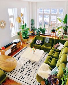 home decor eclectic home decor Bohemian Latest And Stylish Home decor Design And Life Style Ideas Eclectic Living Room, Eclectic Decor, Home Living Room, Interior Design Living Room, Living Spaces, Retro Living Rooms, Living Room Decor Boho, Small Home Interior Design, Living Room With Plants