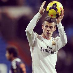 Gareth Bale  Real Madrid Pure Football, Football Is Life, Best Football Team, Real Madrid 11, Bale 11, Bale Real, Dear Future Husband, Soccer Teams, Sports Teams