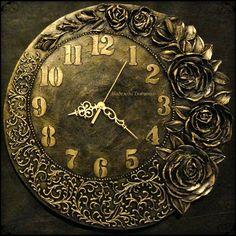 Золотая роза. Часы. Диаметр 50см. #часы #объёмнаяживопись #ручнаяработа #золото #скульптура #барельеф #часыназаказ #часынастенные #декор…