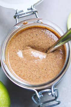 The Best Homemade Almond Butter <br> This week marked a first for me in kitchen experiments. I baked my very first loaf of homemade bread, from scratch (i. no bread maker! There was a lot of kneading (making bread is a full body w… Best Almond Butter, Homemade Almond Butter, Homemade Nut Butter Recipes, Almond Butter Snacks, Almond Nut, Almond Recipes, Vegan Recipes, Smoothies, Appetizers