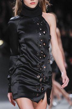 Close-up Anthony Vaccarello prêt-à-porter automne-hiver 2014-2015, Paris #PFW #Fashionweek #closeup
