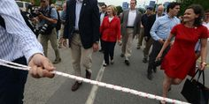 Hillary Clinton Campaign Ropes Reporters Behind Line At Parade