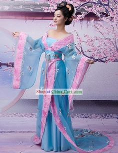 Result of the image for the Chinese kimono – Festival Costumes Traditional Chinese Clothing Female, Traditional Dresses, Traditional Kimono, Costume Japonais, Imperial Clothing, Dynasty Clothing, Chinese Kimono, Festival Costumes, Princess Outfits