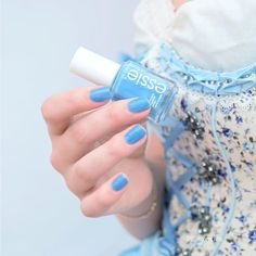 Ocean blue beautiful nail color is perfect for spring, summer and anytime you want to escape into bliss – essie 'lapiz of luxury'.