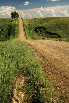Holy look at that hill! None of those around my old North Dakota, Minnesota region, but the road looks awful familiar :)