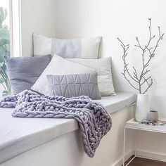 THE NOOK... Layers of cushions and a chunky knit xo