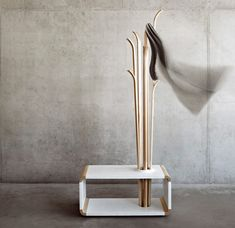 Alicja Prussakowska's Tilia coat stand resembles upended wooden skis – Armchair Ideas Find Furniture, Furniture Design, Hallway Seating, Modern Hallway, Rack Design, Coat Stands, Light Installation, Coat Hanger, Diy Patio