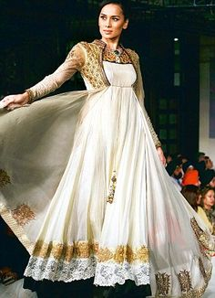 Fashion Show on occasion of Pakistan Fashion Design Council opening 'PFDC- The Boulevard', a sprawling 5,500 sq ft Flagship Store in India's Capital, Delhi (@ M-4, South Ex-2), More Planned in other Indian Metros, & PFDC invites Indian Designers to sell at their Stores in Pakistan