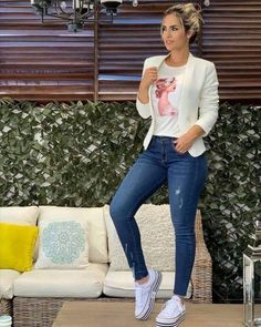 Easiest ways to make outfit jeans ideas 16 – wonders style Casual Work Outfits, Blazer Outfits, Mode Outfits, Stylish Outfits, Fashion Outfits, Summer Outfits, Outfit Jeans, Dress Summer, Fashion Wear