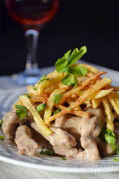 Μοσχάρι Στρογκανώφ & ξινόκρεμα Beef Stroganoff Sour Cream, Japchae, Green Beans, Chicken, Meat, Vegetables, Cooking, Ethnic Recipes, Ss