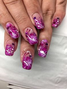 Nageldesign Bilder zum Thema Glitter für Fingernägel entdecken, voten und pinnen.