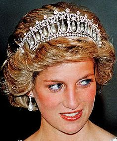Tiara Mania: Cambridge Lovers' Knot Tiara worn by Diana, Princess of Wales