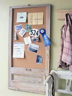 Basic Bulletin Board Window What it is: A flea market find like this double-hung window turned into a super-size bulletin board. Scrap Wood Projects, Diy Projects To Try, Home Projects, Backyard Projects, Window Inserts, Double Hung Windows, Wood Windows, Old Doors, Decorating Tips